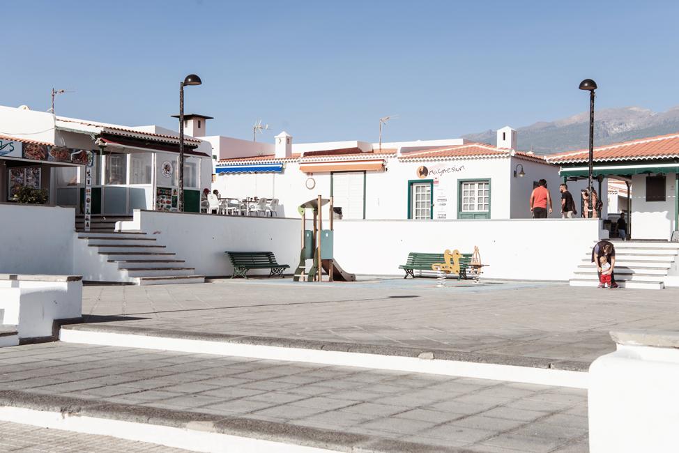 Urlaub auf Teneriffa Spielplatz und Restaurants in Abades