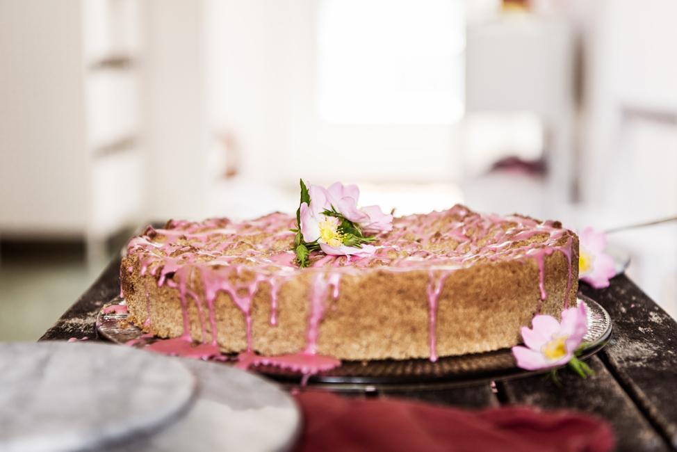 Mohnstreuselkuchen mit Pudding Rezept zum Backen Bio mit Himbeertopping Marmorplatte