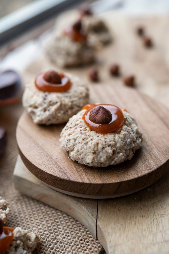 Hagebuttenschäumchen Rezept zum Backen mit Haselnüssen und Mandeln